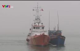 Đưa 6 thuyền viên gặp nạn trên vùng biển Hoàng Sa về Đà Nẵng an toàn