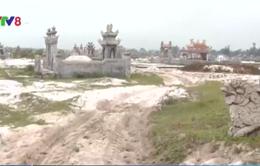 Lấn chiếm hàng nghìn mét vuông đất công để xây lăng mộ