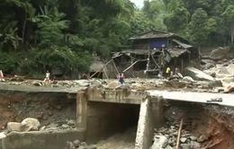 Hơn 1.300 hộ dân Lào Cai đang sống trong vùng nguy hiểm