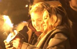 Sôi động lễ hội cầu lửa đón năm mới ở Scotland