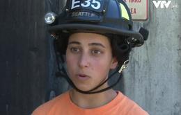 Độc đáo hội trại đào tạo lính cứu hỏa nữ tại Mỹ