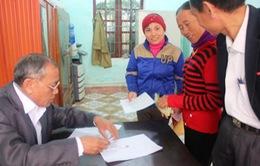 Hà Tĩnh: Hàng trăm hộ nghèo phấn khởi nhận lại tiền đóng góp xây dựng NTM