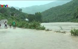 Áp thấp ở Nam biển Đông, đề phòng mưa lớn ở Nam Bộ