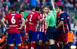 Đạp thẳng chân Messi, Filipe Luis lĩnh thẻ đỏ trực tiếp