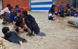 Pakistan khẩn trương cứu hộ nạn nhân lũ lụt