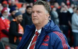 Man Utd bết bát, lương Van Gaal thất thoát đủ đường