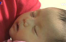 Hoàn cảnh đáng thương của bé gái mắc bệnh tim bẩm sinh từ trong bụng mẹ