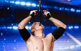 Britain's Got Talent: Thí sinh nuốt kiếm bị cấm lên hình ở bán kết