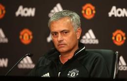 Tới Man Utd, Mourinho đặt mục tiêu lặp lại thành tích hào hùng của Sir Alex