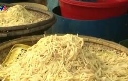 Huế: Phát hiện hai cơ sở kinh doanh măng tẩm nhuộm chất vàng ô