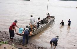 Bến Tre: Chìm ghe chở đá trên sông Vàm Thơm, 1 người mất tích