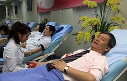"""Hơn 400 bác sĩ tham gia diễu hành """"Vì người bệnh cần máu"""""""
