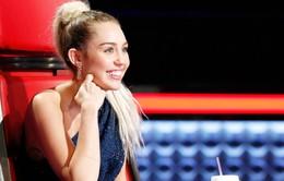 Miley Cyrus là HLV tận tâm nhất của The Voice Mỹ