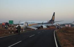 Ấn Độ: Máy bay trật khỏi đường băng, 15 người bị thương
