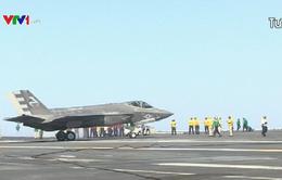 Ông Donal Trump chê chiến đấu cơ F-35 đắt đỏ
