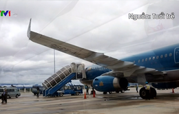 Máy bay không thể hạ cánh xuống sân bay Cam Ranh do thời tiết xấu