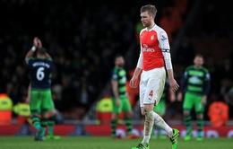 Arsenal ráo riết tìm trung vệ sau khi mất Mertesacker