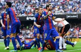 Vòng 9 La Liga: Valencia 2 - 3 Barcelona: Cuộc rượt đuổi nghẹt thở