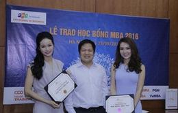Á hậu Thụy Vân, MC Thu Hương nhận học bổng MBA