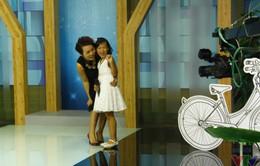 Con gái Thái Thùy Linh hòa giọng cùng mẹ trên sóng truyền hình