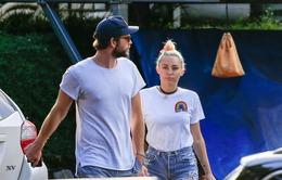 Tái hợp với bạn trai, Miley Cyrus không còn thích tiệc tùng