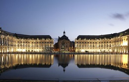 Tuyệt tác nghệ thuật khổng lồ giữa thành phố Bordeaux