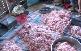 Phát hiện cơ sở kinh doanh mỡ bốc mùi hôi thối tại Vĩnh Long