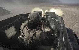 Xe bom tự sát của IS bị chiến đấu cơ tiêu diệt