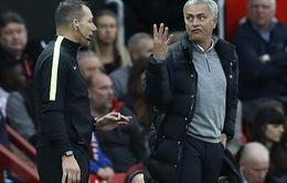 """Mourinho lại bị FA """"sờ gáy"""", Manchester United thêm rối"""