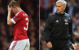 """Mourinho bất ngờ gỡ """"cấm vận"""" với Schweinsteiger"""