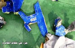 Những hình ảnh đầu tiên về mảnh vỡ máy bay Ai Cập mất tích