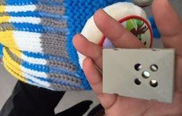 Sự kiện nóng trong tuần (11-16/1): Mũ len cho trẻ gắn thiết bị lạ