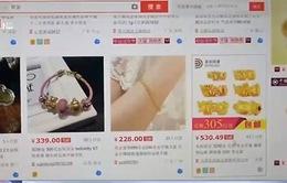 Người Trung Quốc nghiện mua sắm qua mạng
