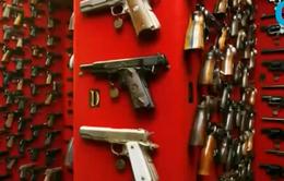 Cấm vĩnh viễn quảng cáo, mua bán súng trên Facebook