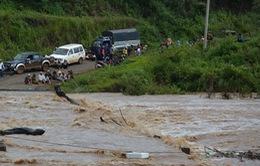 Hàng nghìn hộ dân Gia Lai bị cô lập: Nước đã rút