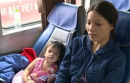 Gần 1.200 hành khách bị mắc kẹt tại các ga miền Trung