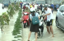 Tránh mưa ngập, Đồng Nai cho học sinh tan trường sớm
