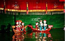 Đến Huế xem múa rối nước trên sông Hương