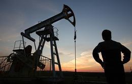 Giá dầu thế giới nhảy vọt lên mức cao nhất 6 tháng qua