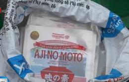 Bắt quả tang cơ sở sản xuất mì chính giả tại Hà Nội