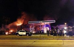 Mỹ: Biểu tình quá khích phản đối cảnh sát bắn chết người