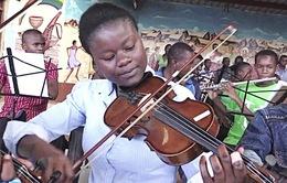 Hòa nhạc cổ điển tại... khu ổ chuột Kenya