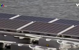 Lắp đặt các tấm pin năng lượng mặt trời trên mặt nước