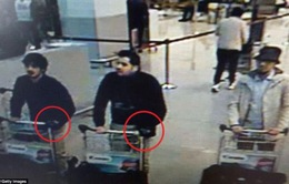Nghi phạm đánh bom khủng bố ở Bỉ đeo găng tay một bên