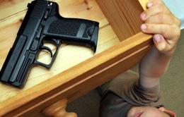Mỹ: Bé trai 3 tuổi thiệt mạng do nghịch súng