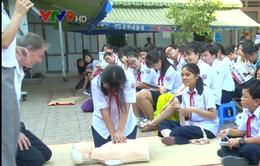 TP.HCM: Hàng nghìn học sinh tập huấn sơ, cấp cứu và thoát hiểm