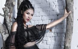 Hoa hậu Ngọc Hân đẹp như mộng với đầm ren xuyên thấu