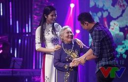 Hoa hậu Ngọc Hân bật khóc khi gặp bà ngoại trên sóng truyền hình