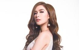 Chiến binh đội Phạm Hương gợi cảm với váy bó sát