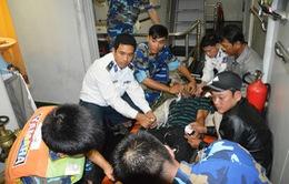 Cảnh sát biển cứu nạn ngư dân ở Cù Lao Chàm, Quảng Nam